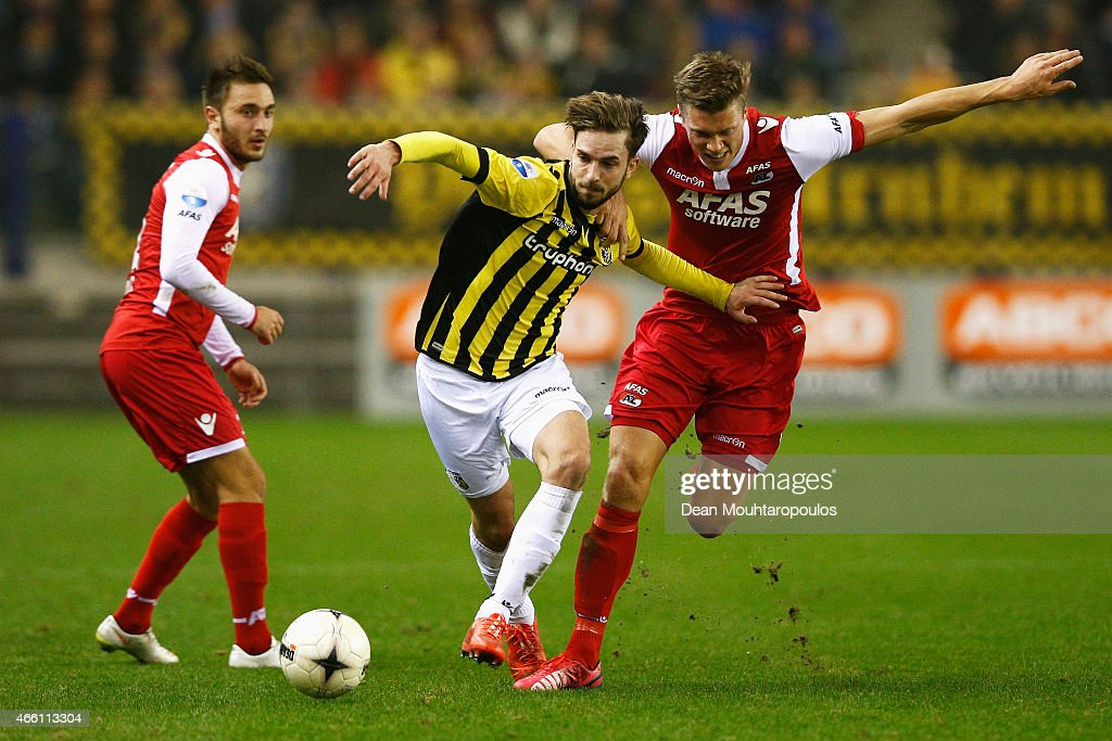 Davy Propper of Vitesse and Viktor Elm of AZ battle for the ball during the Dutch Eredivisie match between Vitesse Arnhem and AZ Alkmaar held at...