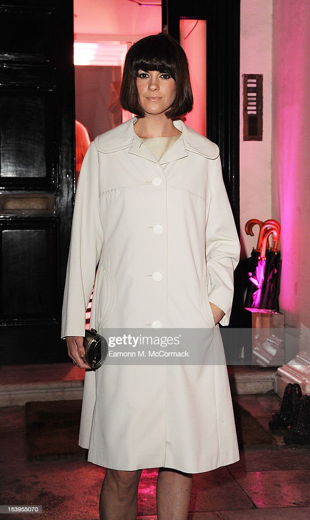 Dawn Porter attends a dinner hosted by W Magazine and Jimmy Choo on October 11, 2012 in London, England.