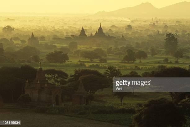 Aube de Temples, de Bagan, Myanmar (Birmanie)