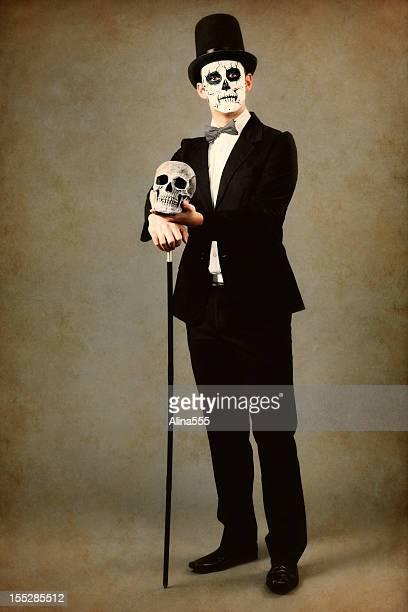 Tag der Toten: Alter Bild, traditionelle Kleidung und Make-up
