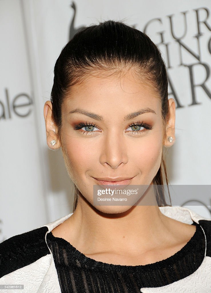 Dayana Mendoza attends the 2012 Skating with the Stars gala at theWollman Rink - Central Park on April 2, 2012 in New York City.