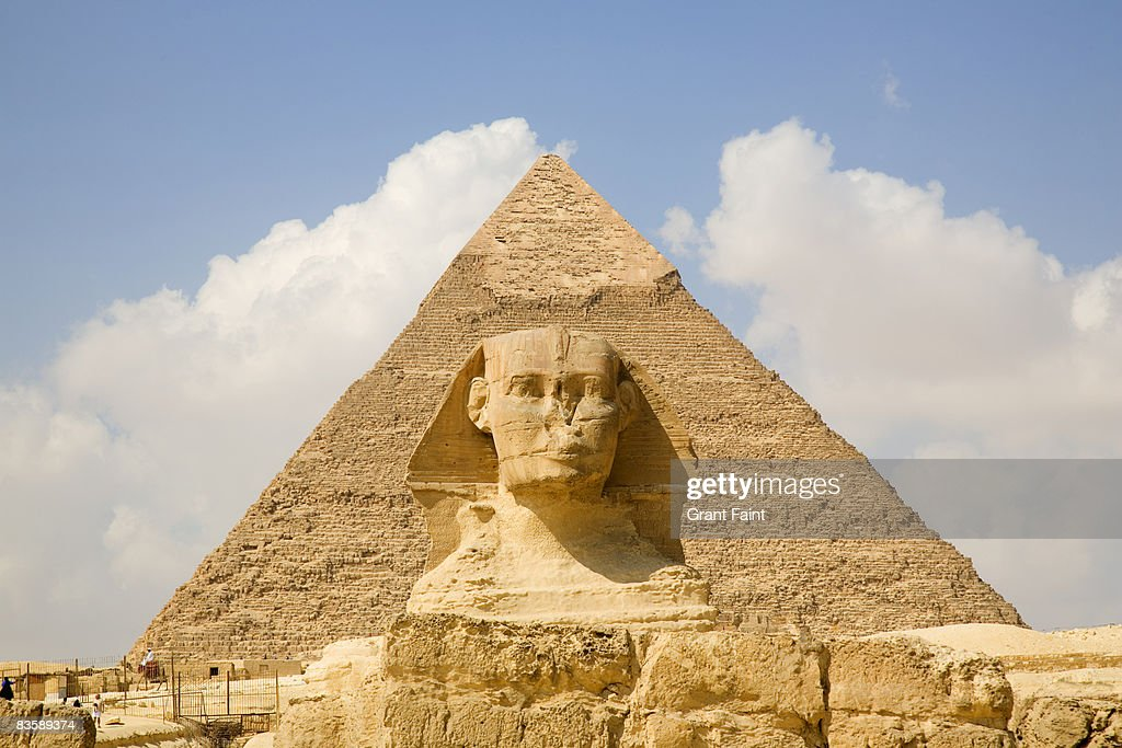 daytime view pyramid with sphinx foreground
