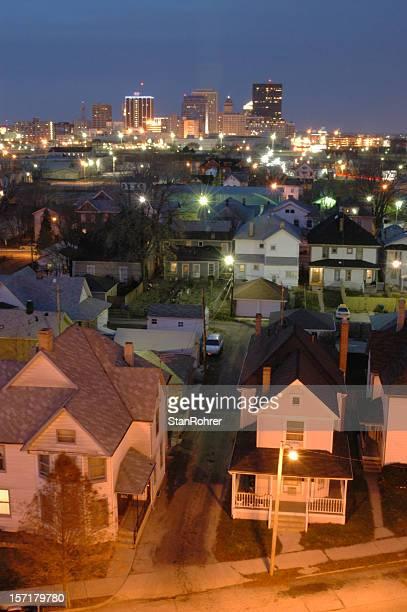 Ville de Dayton, dans l'Ohio, vue sur la ville au crépuscule, Community