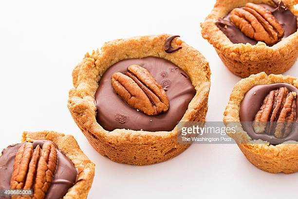 Peanut Butter Turtle Cookie Cups
