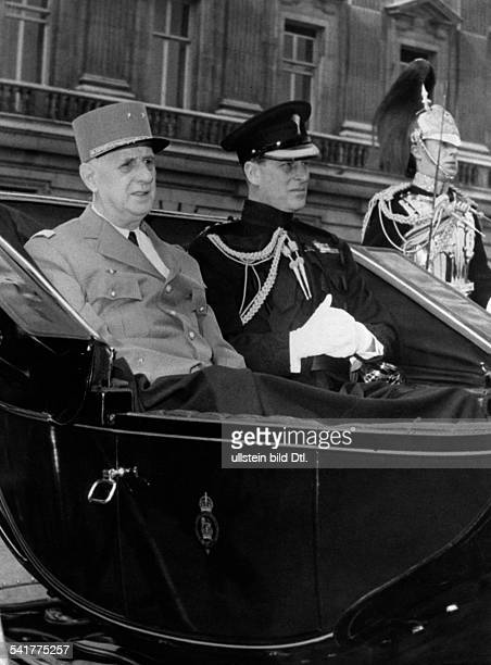 De Gaulle Charles *22111890Politiker General FrankreichStaatspraesident von 19591969 Staatsbesuch in Grossbritannien mit Prinz Philip in der offenen...