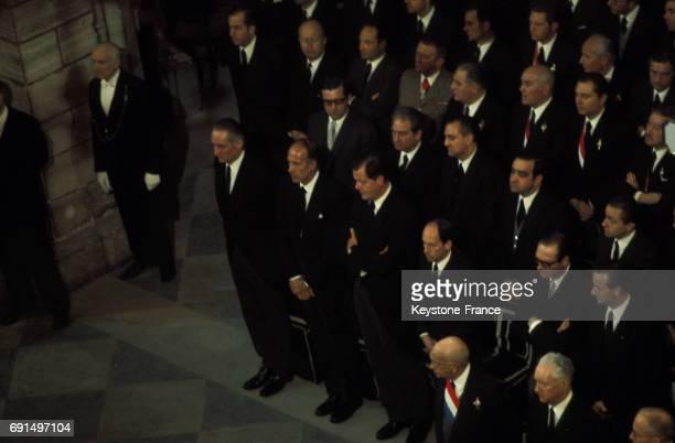 De nombreuses personnalités politiques dont Pierre Messmer Edgar Faure Jacques Chirac Michel Jaubert Olivier Guichard Valéry Giscard d'Estaing...
