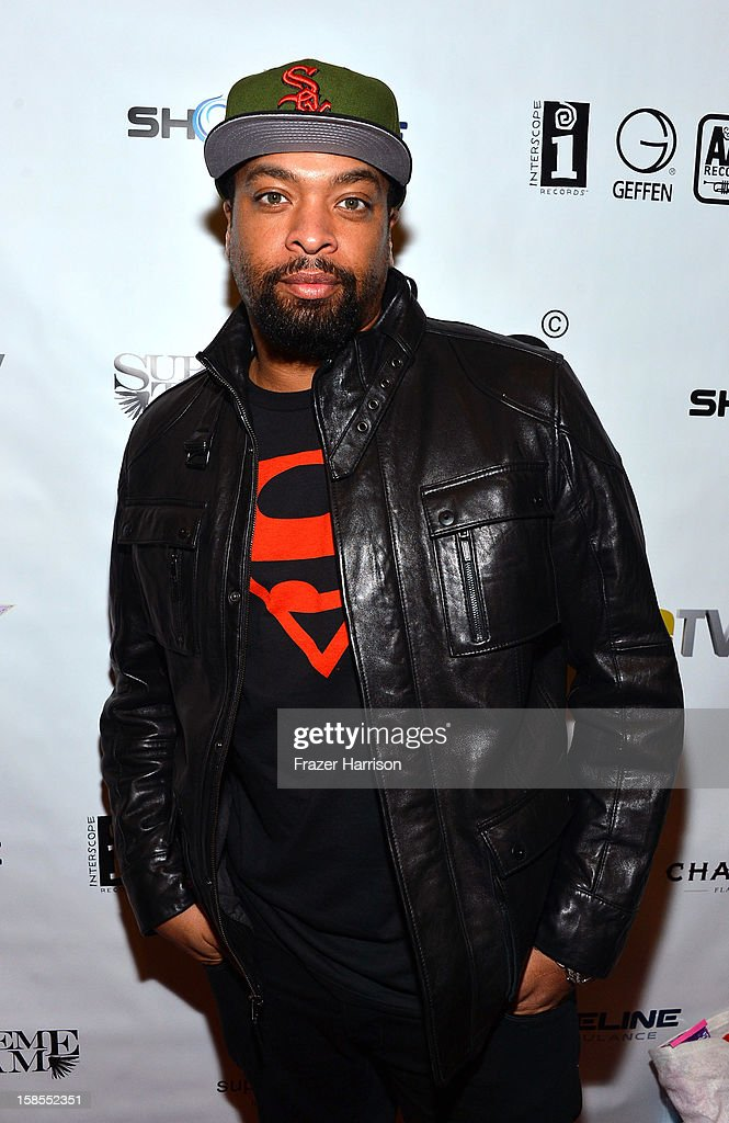 De Ray Davis arrives at Interscope Geffen A&M Promotions Department 9th Annual Holiday Party And Toy Drive at SupperClub Los Angeles on December 18, 2012 in Los Angeles, California.