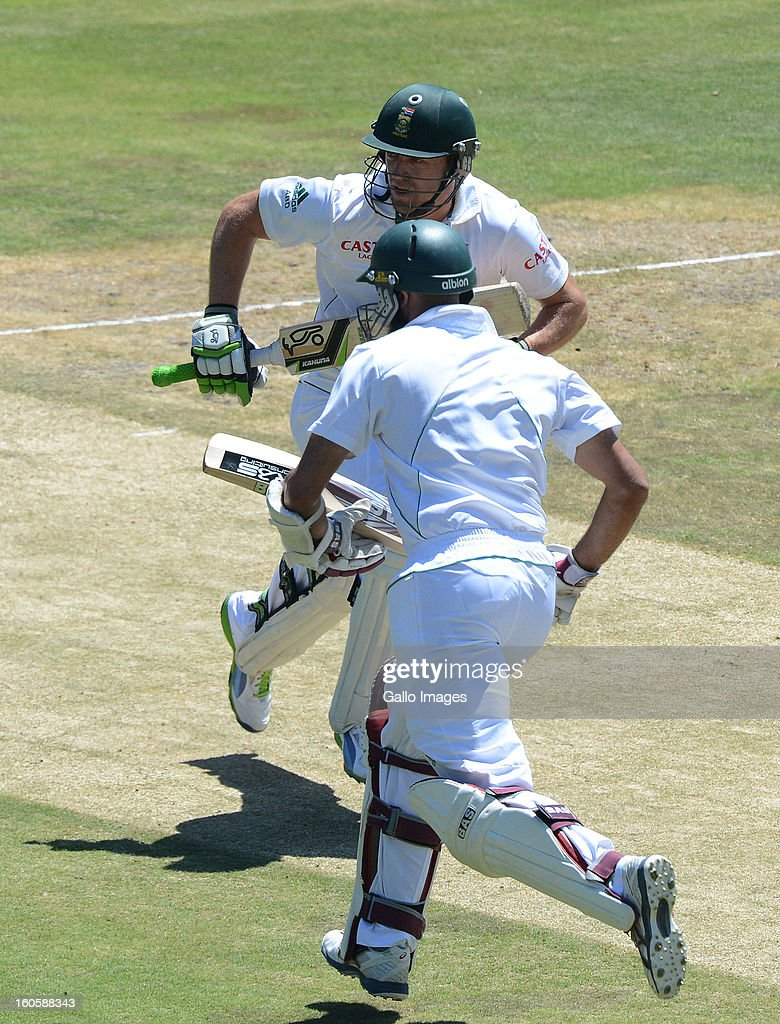 AB de Villiers and Hashim Amla of South Africa pile up the runs during day 3 of the 1st Test match between South Africa and Pakistan at Bidvest Wanderers Stadium on February 03, 2013 in Johannesburg, South Africa.