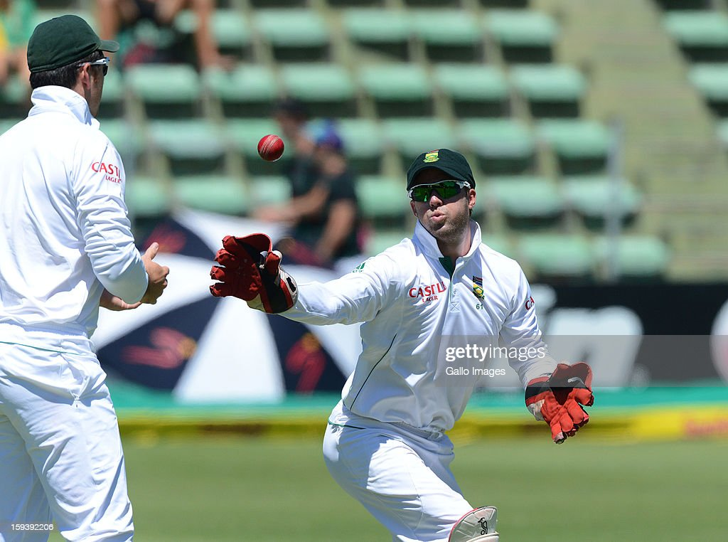 AB de Villiers of South Africa reacts behind the stumps during day 3 of the 2nd Test match between South Africa and New Zealand at Axxess St Georges on January 13, 2013 in Port Elizabeth, South Africa.