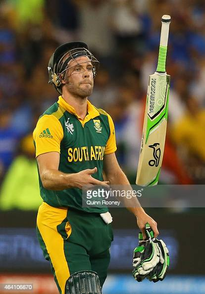 Villiers South Africa  city photo : AB de Villiers of South Africa tosses his bat after being run out ...