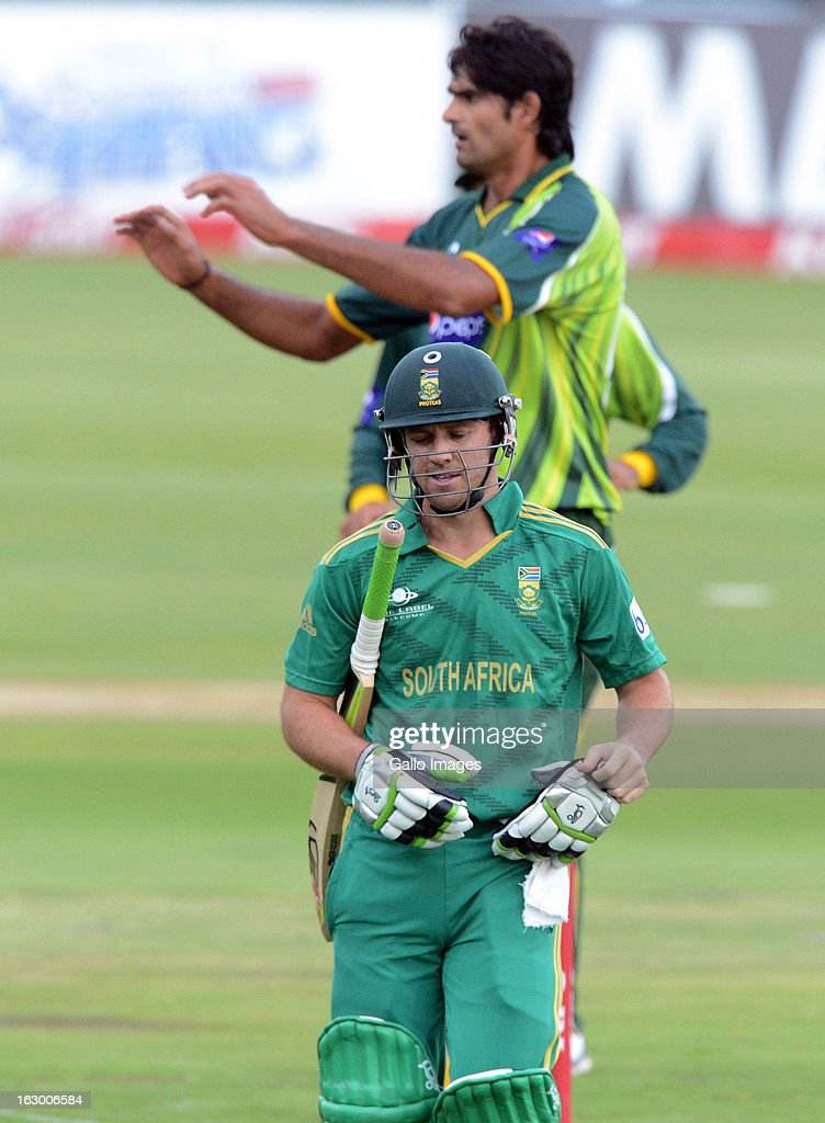 AB de Villiers walks off after being bowled by Irfan for 36 runs during the 2nd T20 match between South Africa and Pakistan at SuperSport Park on March 03, 2013 in Pretoria, South Africa