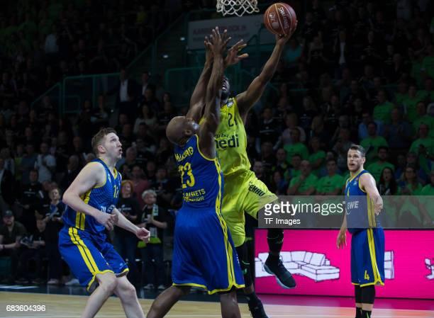 De zeeuw of Oldenburg paulding Rickey and Brooks De´moon battle for the ball during the easyCredit BBL match between medi bayreuth and EWE Baskets...