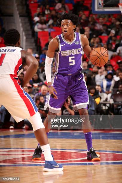 De'Aaron Fox of the Sacramento Kings handles the ball during the game against the Detroit Pistons on November 4 2017 at Little Caesars Arena in...