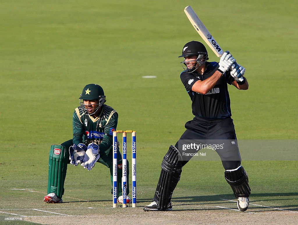 <a gi-track='captionPersonalityLinkClicked' href=/galleries/search?phrase=Dean+Brownlie&family=editorial&specificpeople=7373328 ng-click='$event.stopPropagation()'>Dean Brownlie</a> of New Zealand bats during the 4th One Day International match between Pakistan and New Zealand at Sheikh Zayed Stadium on December 17, 2014 in Abu Dhabi, United Arab Emirates.