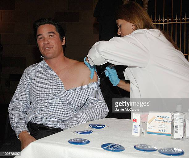Dean Cain recieves a Flu shot at The American Lung Association's Faces of Influenza at Gotham Hall in New York October 12 2007