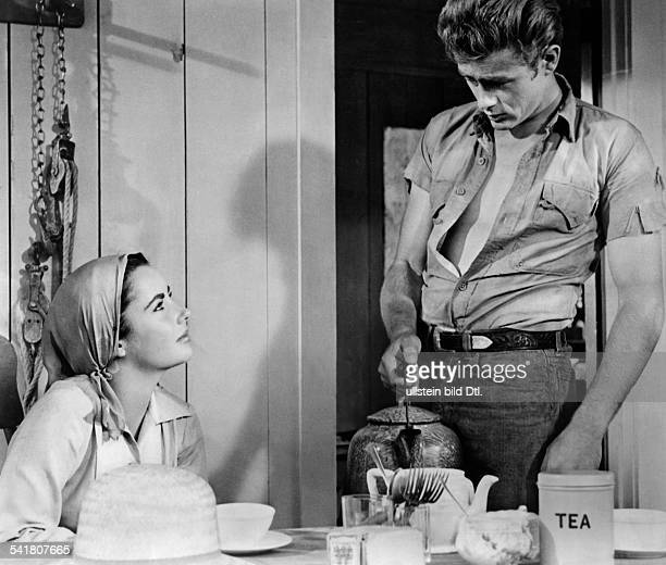 Dean James Actor USA* with Elizabeth Taylor in the movie 'Giant' directed by George Stevens 1955 Published by 'Berliner Morgenpost' Vintage property...