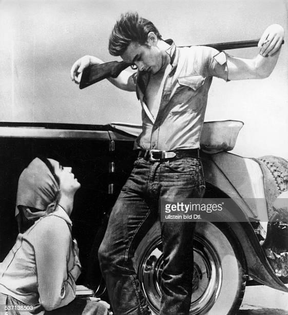 Dean James Schauspieler USA mit Elisabeth Taylor in dem Film 'Giganten' 1955