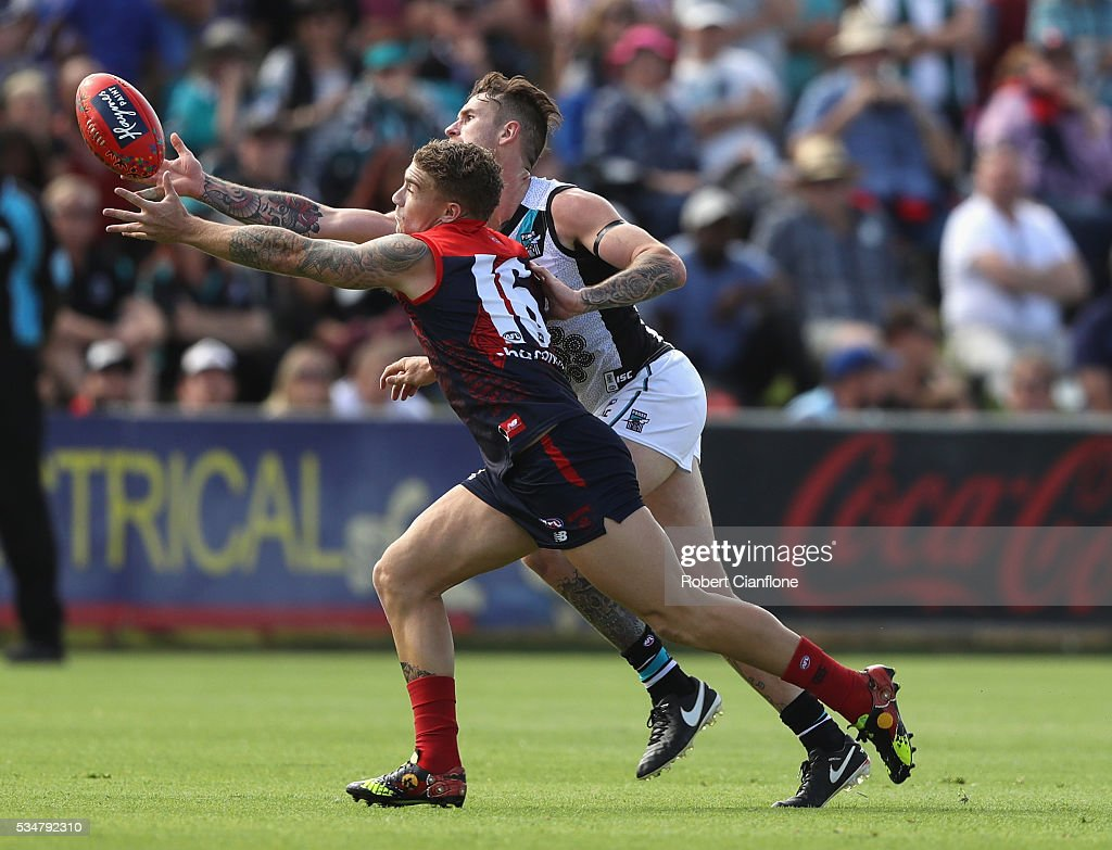 <a gi-track='captionPersonalityLinkClicked' href=/galleries/search?phrase=Dean+Kent&family=editorial&specificpeople=235553 ng-click='$event.stopPropagation()'>Dean Kent</a> of the Demons and Cam O'Shea of Port Adelaide compete for the ball during the round 10 AFL match between the Melbourne Demons and the Port Adelaide Power at Traeger Park on May 28, 2016 in Alice Springs, Australia.