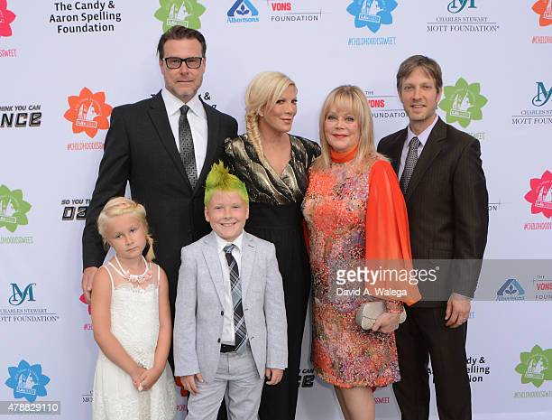 Dean McDermott and actress Tori Spelling attend with philanthropist Candy Spelling and actor Randy Spelling the LA's BEST Annual Family Dinner 2015...