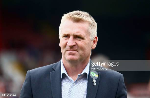 Dean Smith head coach of Brentford looks on prior to the Sky Bet Championship match between Brentford and Millwall at Griffin Park on October 14 2017...