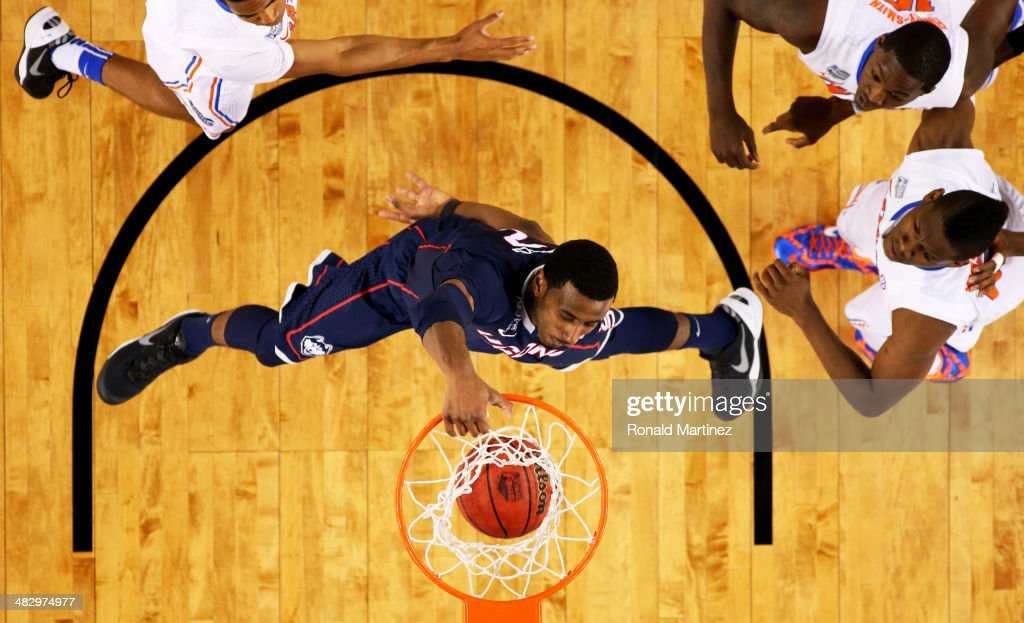 <a gi-track='captionPersonalityLinkClicked' href=/galleries/search?phrase=DeAndre+Daniels&family=editorial&specificpeople=8607612 ng-click='$event.stopPropagation()'>DeAndre Daniels</a> #2 of the Connecticut Huskies dunks against the Florida Gators during the NCAA Men's Final Four Semifinal at AT&T Stadium on April 5, 2014 in Arlington, Texas.