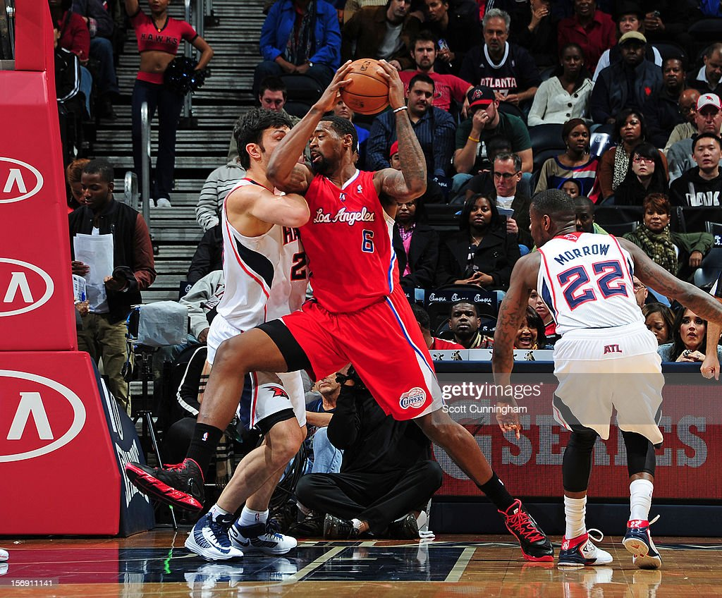 DeAndre Jordan #6 of the Atlanta Hawks drives to the basket vs the Los Angeles Clippers at Philips Arena on November 24, 2012 in Atlanta, Georgia.