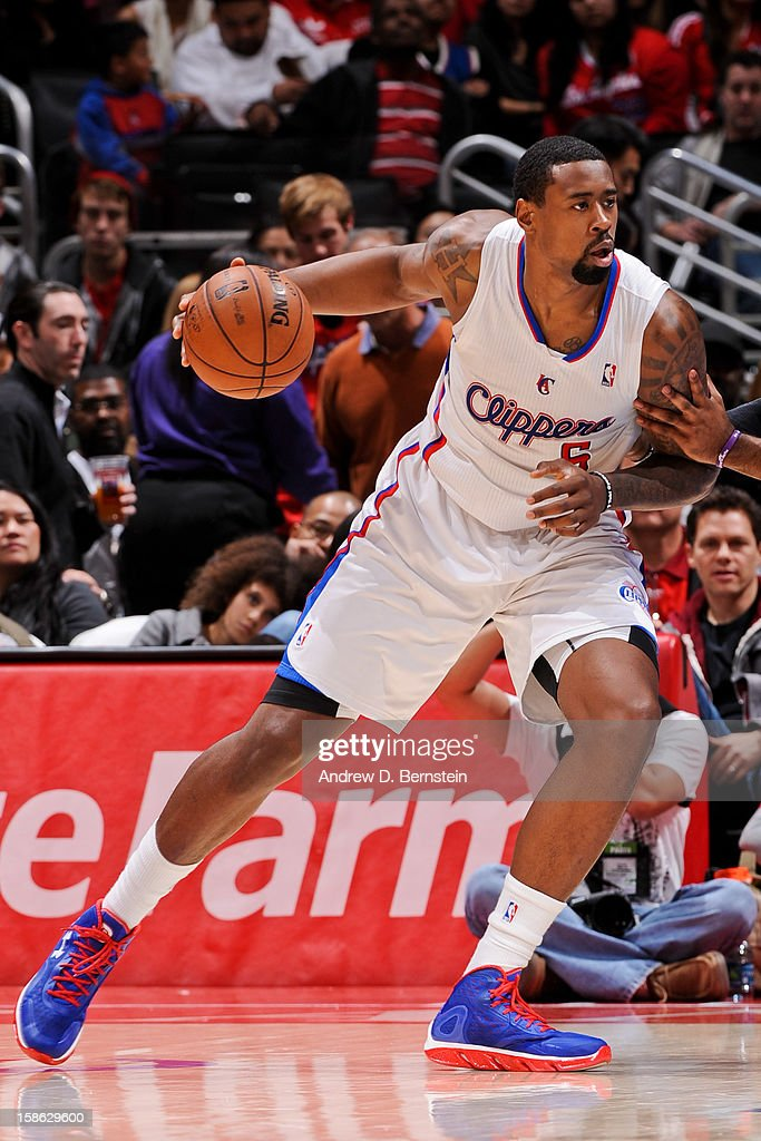DeAndre Jordan #6 of the Los Angeles Clippers drives against the Sacramento Kings at Staples Center on December 21, 2012 in Los Angeles, California.