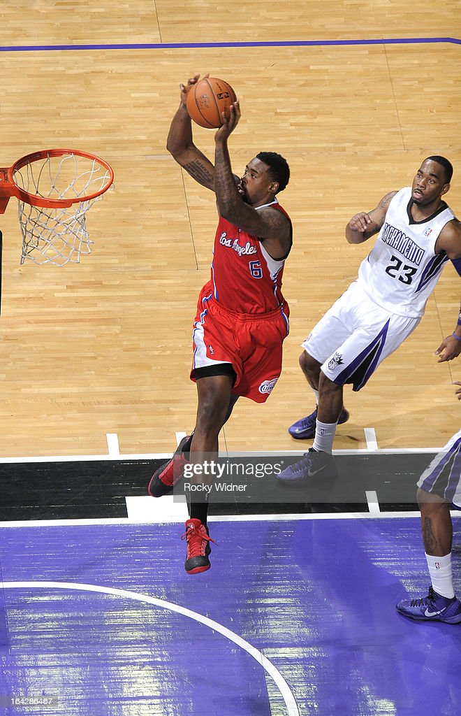 <a gi-track='captionPersonalityLinkClicked' href=/galleries/search?phrase=DeAndre+Jordan&family=editorial&specificpeople=4665718 ng-click='$event.stopPropagation()'>DeAndre Jordan</a> #6 of the Los Angeles Clippers dunks against the Sacramento Kings on March 19, 2013 at Sleep Train Arena in Sacramento, California.