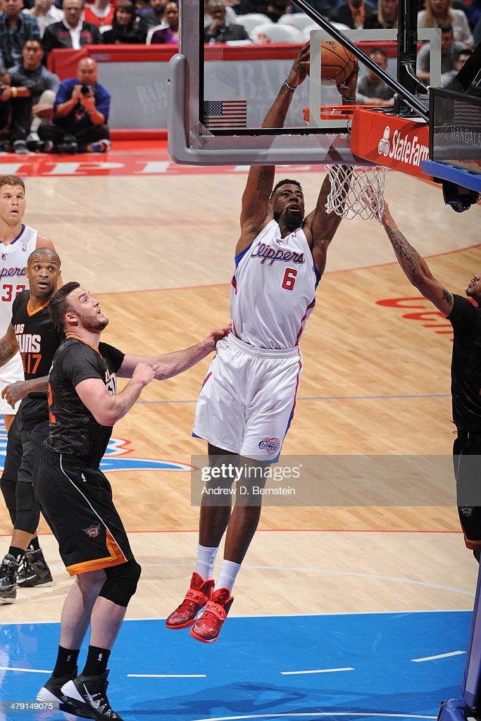 <a gi-track='captionPersonalityLinkClicked' href=/galleries/search?phrase=DeAndre+Jordan&family=editorial&specificpeople=4665718 ng-click='$event.stopPropagation()'>DeAndre Jordan</a> #6 of the Los Angeles Clippers dunks the ball against the Phoenix Suns at Staples Center on March 10, 2014 in Los Angeles, California.