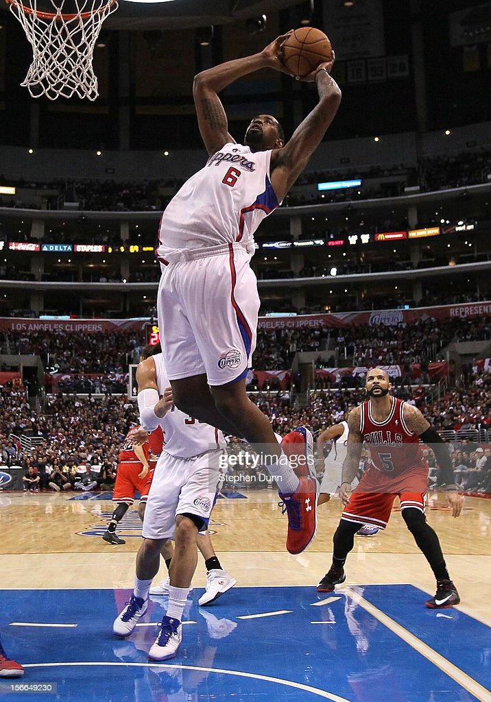 <a gi-track='captionPersonalityLinkClicked' href=/galleries/search?phrase=DeAndre+Jordan&family=editorial&specificpeople=4665718 ng-click='$event.stopPropagation()'>DeAndre Jordan</a> #6 of the Los Angeles Clippers grabs a rebound against the Chicago Bulls at Staples Center on November 17, 2012 in Los Angeles, California. The Clippers won 101-80.
