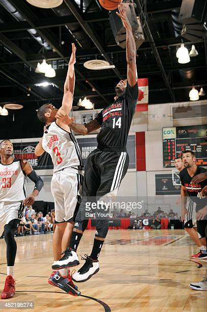 DeAndre Liggins of the Los Angeles Clippers shoots against the Houston Rockets during the Samsung NBA Summer League 2014 on July 15 2014 at the Cox...