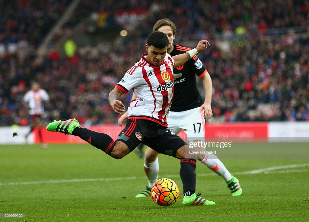 <a gi-track='captionPersonalityLinkClicked' href=/galleries/search?phrase=DeAndre+Yedlin&family=editorial&specificpeople=10292103 ng-click='$event.stopPropagation()'>DeAndre Yedlin</a> of Sunderland shoots at goal during the Barclays Premier League match between Sunderland and Manchester United at the Stadium of Light on February 13, 2016 in Sunderland, England.