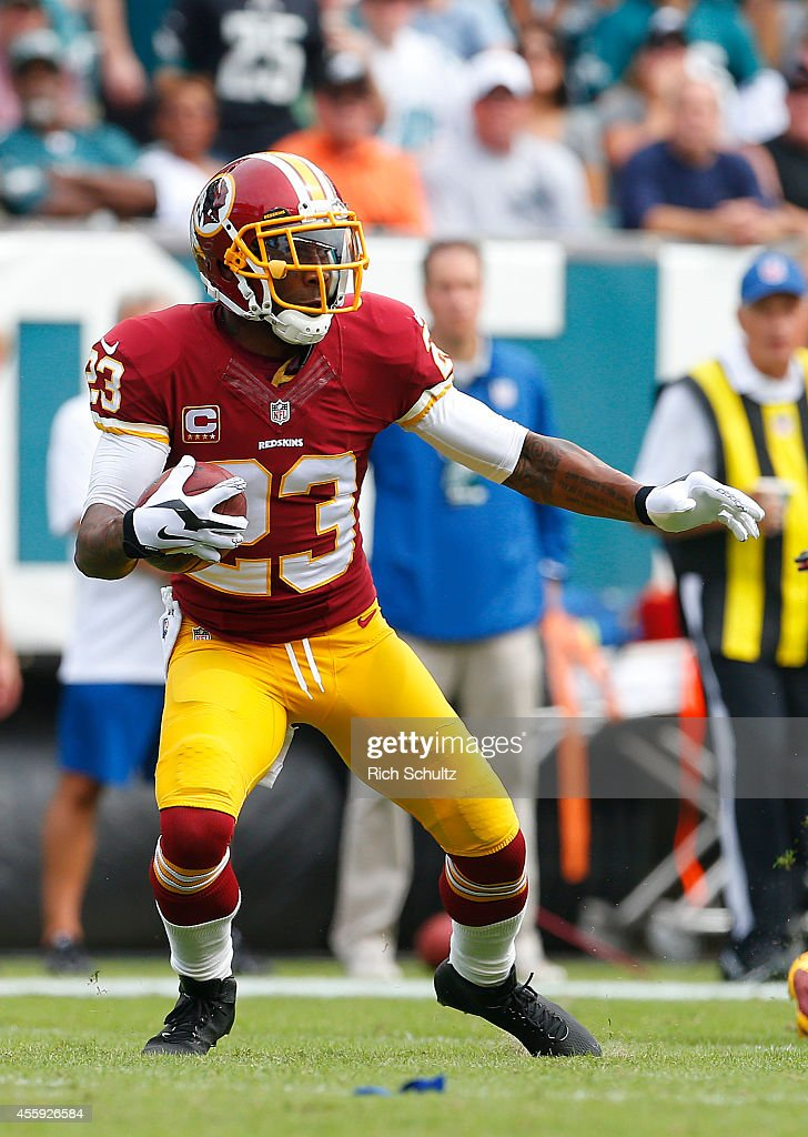 DeAngelo Hall of the Washington Redskins looks to run after recovering a fumble during he first quarter against the Philadelphia Eagles in a football...