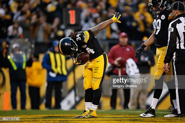 DeAngelo Williams of the Pittsburgh Steelers celebrates a first quarter touchdown during the game against the Denver Broncos at Heinz Field on...