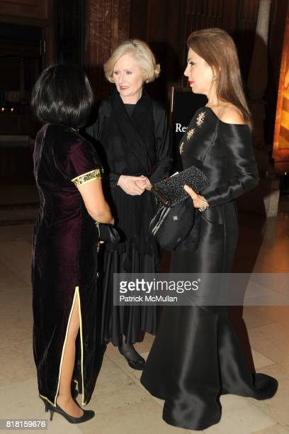 Deanna Lee Victoria Steele and Princess Firyal of Jordan attend The 2010 LIBRARY LIONS GALA at The New York Public Library on November 1 2010 in New...