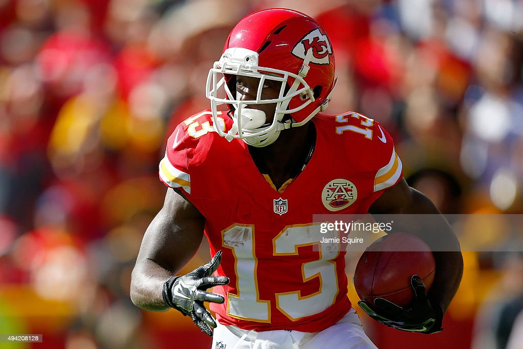 <a gi-track='captionPersonalityLinkClicked' href=/galleries/search?phrase=De%27Anthony+Thomas&family=editorial&specificpeople=8222432 ng-click='$event.stopPropagation()'>De'Anthony Thomas</a> #13 of the Kansas City Chiefs returns a kick against the Pittsburgh Steelers at Arrowhead Stadium during the game on October 25, 2015 in Kansas City, Missouri.