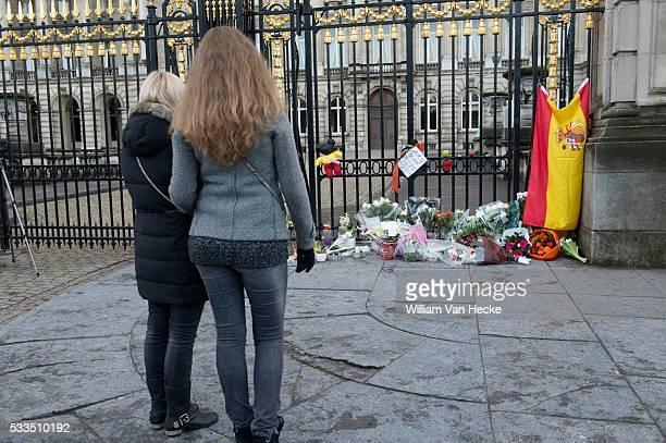Death of Queen Fabiola Décès de la Reine Fabiola de Belgique ambiances au Palais Royal Dood van Koningin Fabiola van België sfeer Koninklijke Paleis...