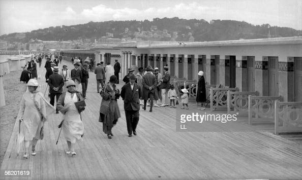 Deauville Boards and the new baths About 1925