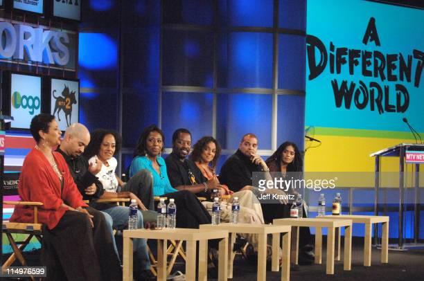 Debbie Allen Darryl M Bell Cree Summer Dawnn Lewis Kadeem Hardison Jasmine Guy Sinbad and Lisa Bonet of 'A Different World'