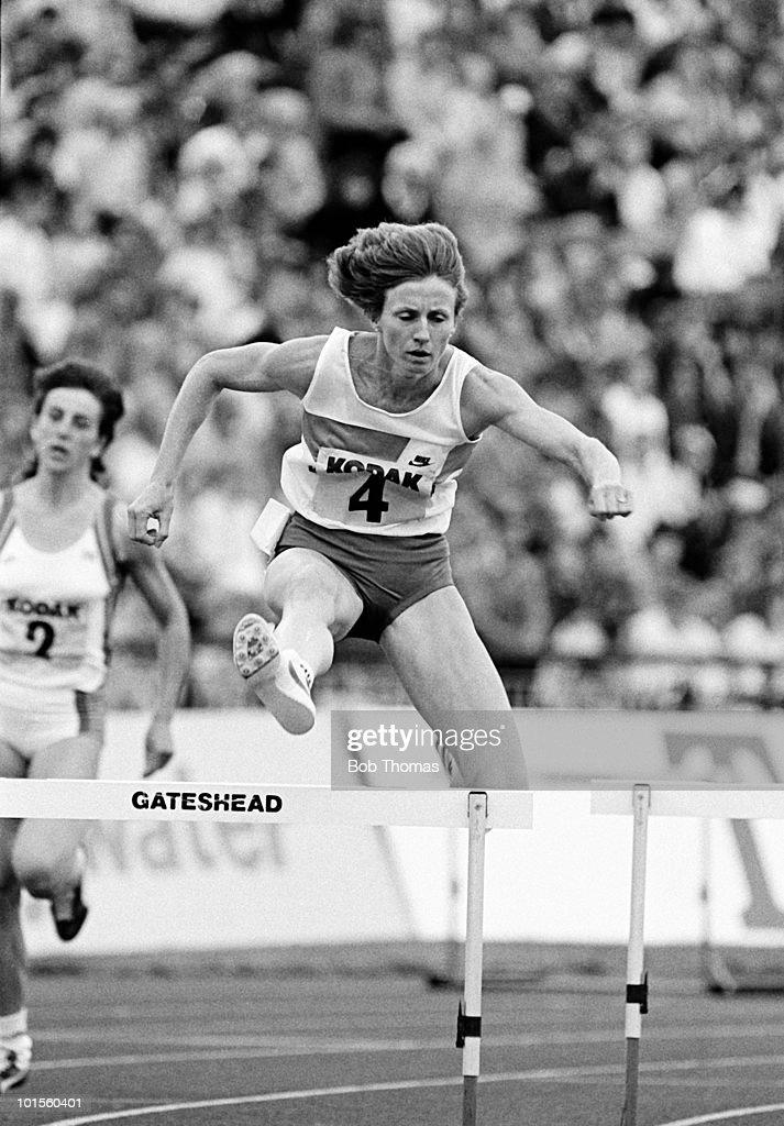 Debbie Flintoff of Australia during the 400m hurdles event at the Kodak Classic athletics meet held at Gateshead on 5th August 1986. (Bob Thomas/Getty Images).