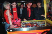 UNS: Pinball Wizards - Celebs And The Silver Ball