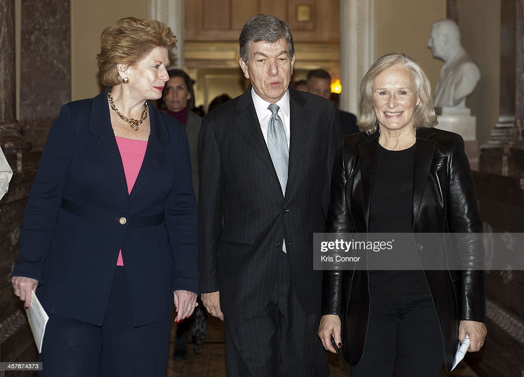 Debbie Stabenow Roy Blunt and Glenn Close attend a press conference advocating for the passing of the Excellence In Mental Health Act on December 18...