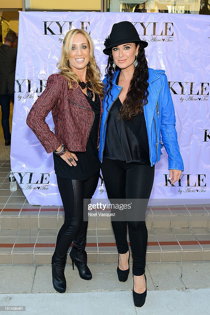 Debbie Weisman (L) and <a gi-track='captionPersonalityLinkClicked' href=/galleries/search?phrase=Kyle+Richards&family=editorial&specificpeople=2586434 ng-click='$event.stopPropagation()'>Kyle Richards</a> attend Fashion's Night Out at Kyle by Alene Too on September 6, 2012 in Beverly Hills, California.