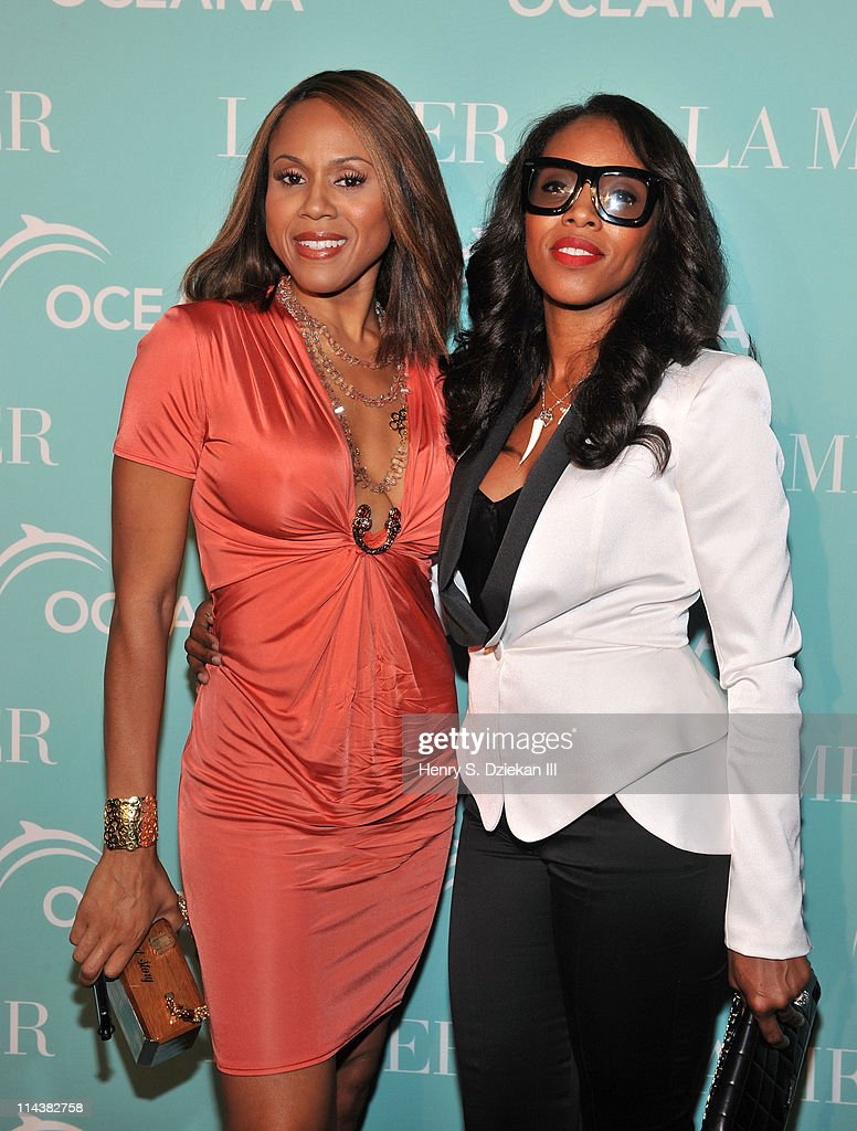 Deborah Cox and June Ambrose attend World Ocean Day 2011 celebrated by La Mer and Oceana at Affirmation Arts on May 18, 2011 in New York City.