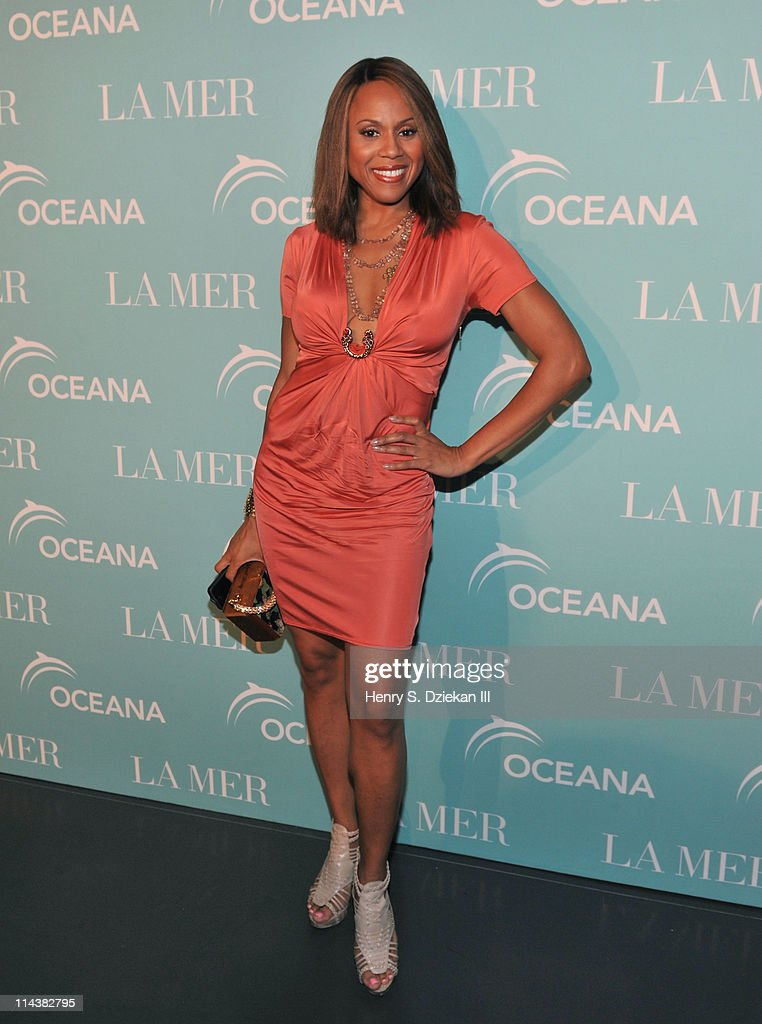 Deborah Cox attends World Ocean Day 2011 celebrated by La Mer and Oceana at Affirmation Arts on May 18, 2011 in New York City.
