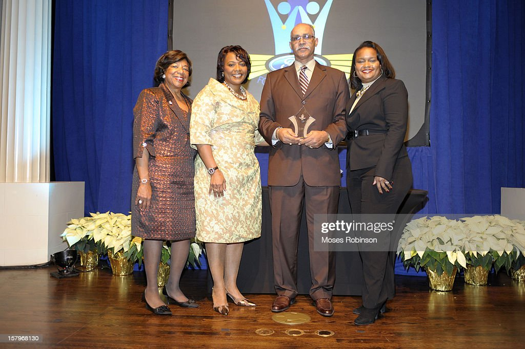 Deborah Richardson, Rev Dr. <a gi-track='captionPersonalityLinkClicked' href=/galleries/search?phrase=Bernice+King&family=editorial&specificpeople=786095 ng-click='$event.stopPropagation()'>Bernice King</a>, Tracy Campbell and Director of Community Developement for Ford Motor Company Pamlea Alexander attend the 2012 Ford Freedom Usung Awards ceremony at Historic Academy of Medicine at Georgia Institute of Technology on December 7, 2012 in Atlanta, Georgia.