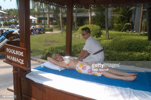 Deborah Sasson HotelMitarbeiter Urlaub Bangkok/Thailand/Asien Hotel 'Shangri La' Spa Sängerin Bademode Bikini Massage Promis Prominente Prominenter