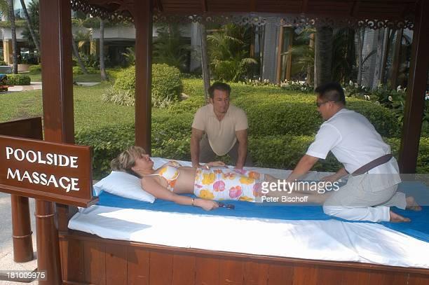 Deborah Sasson Lebensgefährte Dieter Tings HotelMitarbeiter Urlaub Bangkok/Thailand/Asien Hotel 'Shangri La' Spa Sängerin Bademode Bikini Massage...