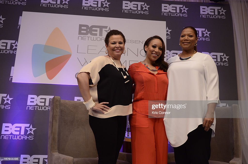 Debra Lee, Mara Schiavocampo and Queen Latifa pse for a photo during the Leading Women Defined: Girl's Night Out at Ritz Carlton Hotel on March 1, 2013 in Washington, DC.