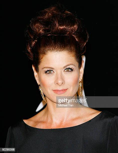 Debra Messing arrives to the 2009 Rodeo Drive 'Walk of Style' Award Ceremony held on Rodeo Drive on October 22 2009 in Beverly Hills California